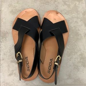 Used black Soda sandals size 5